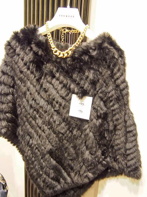 Winterstyles: Poncho von Oakwood, 129 €