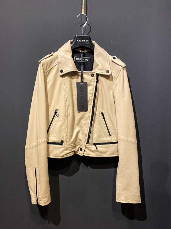 Coole Oakwood Lederjacke für Damen im Bikerlook in beige.